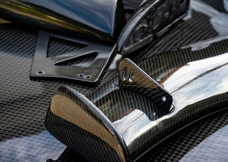 Nanocomposites: Kohlefaserverbundprodukt für Motorsport und Automobilrennsport
